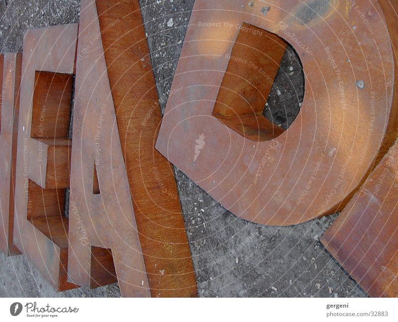 Buchstaneb Buchstaben Stahl obskur E A d Lateinisches Alphabet Rost