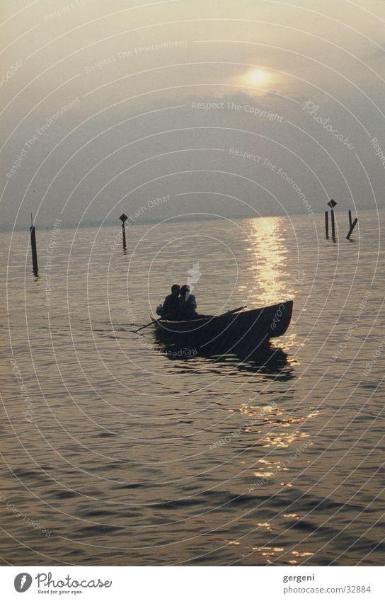 zu zweit alleine See Wasserfahrzeug Sonnenuntergang Liebe
