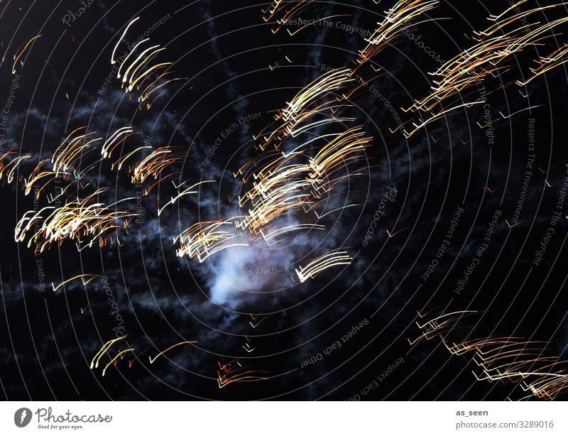 Feuerwerk Nacht Silvester u. Neujahr Licht Langzeitbelichtung Reaktionen u. Effekte Himmel bunt silvesterfeuerwerk grafisch Lichtspuren Rauch Explosion Knall