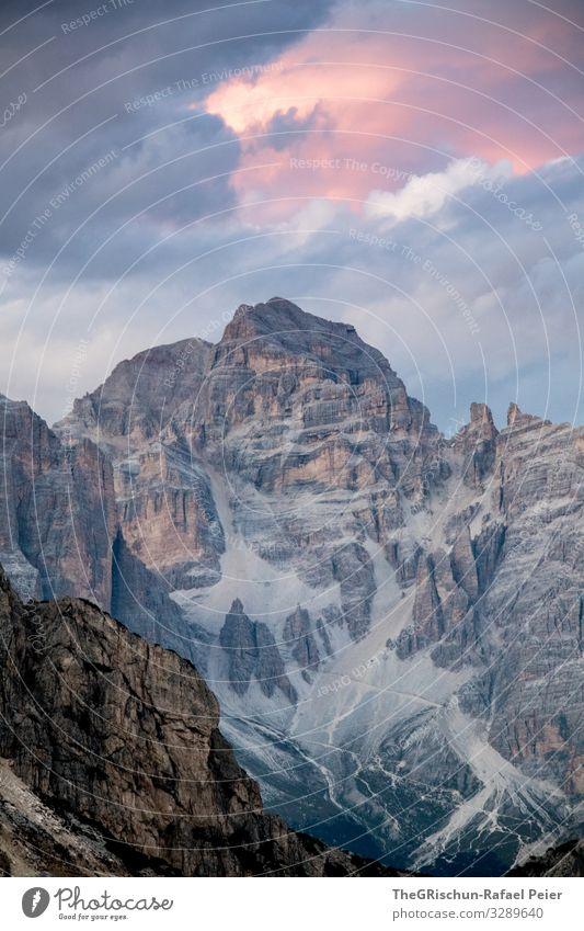 Berge im Gegenlicht im Sonnenuntergang Berge u. Gebirge Wolken Landschaft Licht Kontrast Silhouette Stimmung Stimmungsbild