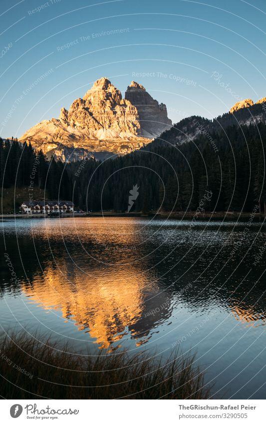 Sicht auf Tre Cime di Laveredo am Lago di Misurina See spiegeln Gebirge Berge u. Gebirge Tre Cime di Lavaredo ufer Abendstimmung Sonnenuntergang Südtirol
