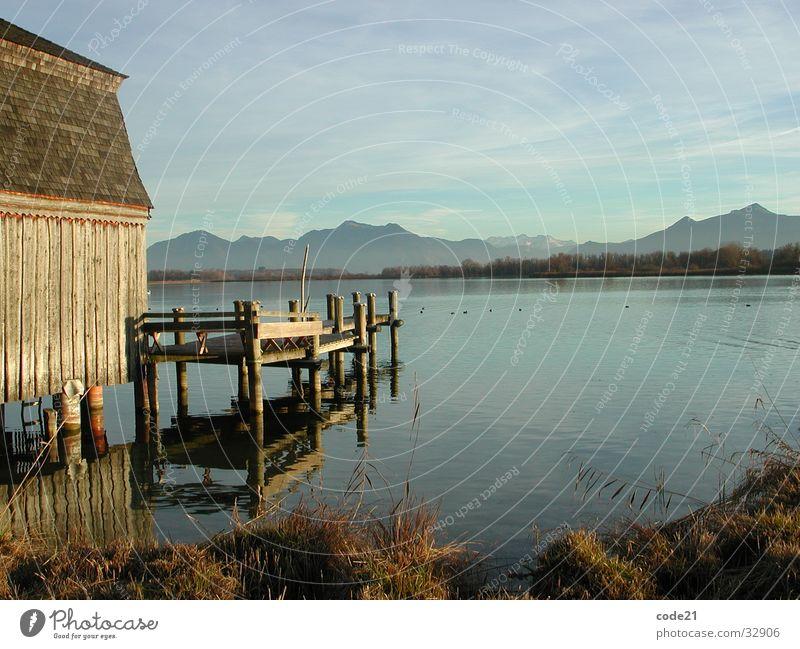 Seeblick mit Bergen Wasser Herbst Berge u. Gebirge See groß Steg Bayern