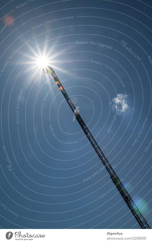 oben leuchtets Himmel Natur Sonne Umwelt leuchten Kraft ästhetisch Perspektive Schönes Wetter gefährlich hoch Klima bedrohlich geheimnisvoll Höhenangst Wunsch