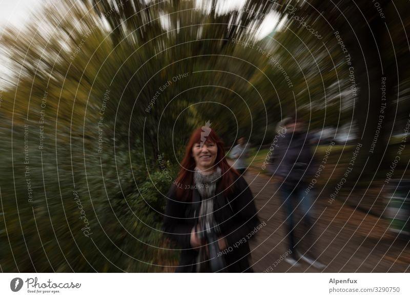 Durch Raum und Zeit | UT Frau Mensch Freude Erwachsene feminin lachen Angst Lächeln Coolness Vertrauen Überraschung selbstbewußt skurril Optimismus stagnierend