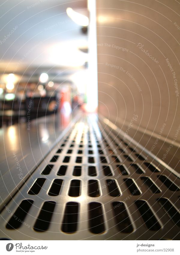 Perspektive Abdeckung schwarz Blech Aluminium Häusliches Leben Heizkörper Metall Makroaufnahme