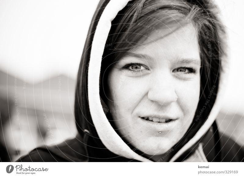 Rømø | Kapuzenzeit Lifestyle Stil Mensch feminin Junge Frau Jugendliche Erwachsene Leben Kopf Gesicht Auge Ohr Mund Lippen Zähne 1 18-30 Jahre Haare & Frisuren