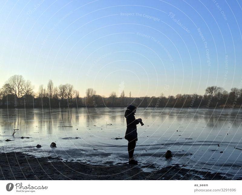 Foto Check am See Frau Mensch Natur blau Wasser Landschaft Baum Winter Erwachsene Herbst Umwelt Deutschland braun Eis Wetter