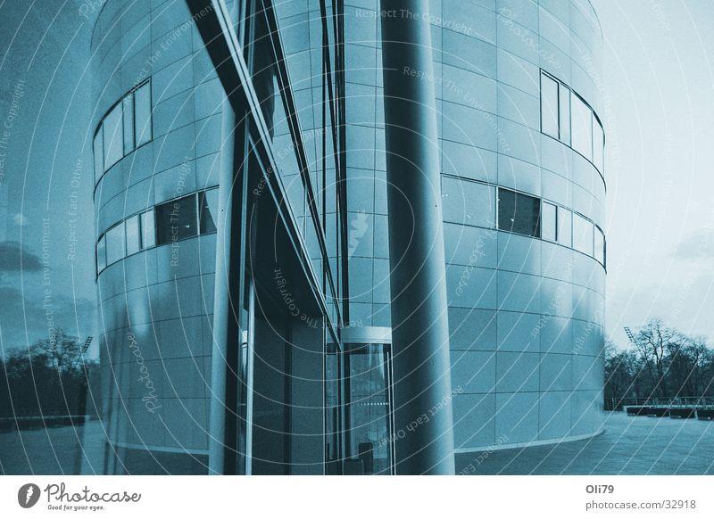 mirrored Reflexion & Spiegelung Gläserne Manufaktur Weitwinkel bearbeitet Abend Architektur blau Abenddämmerung
