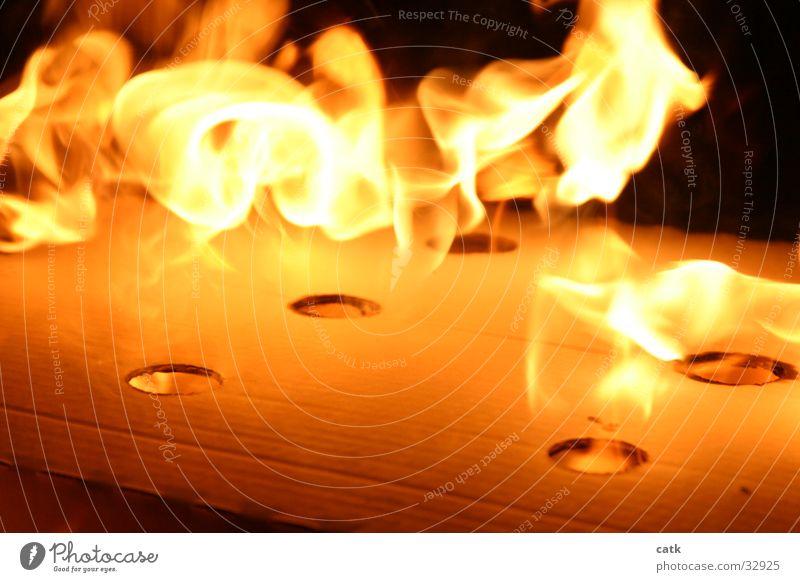 flameburst2 gelb Wärme Brand Physik brennen Flamme Karton Grill Glut