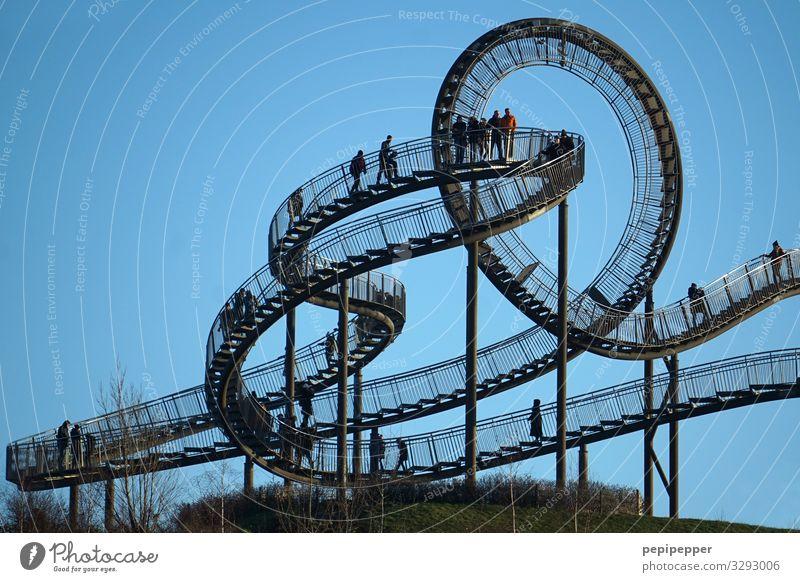 Achterbahn zu Fuß Freizeit & Hobby Ferien & Urlaub & Reisen Tourismus Ausflug Abenteuer Sightseeing Halfpipe Menschengruppe Himmel Park Wiese Hügel Duisburg