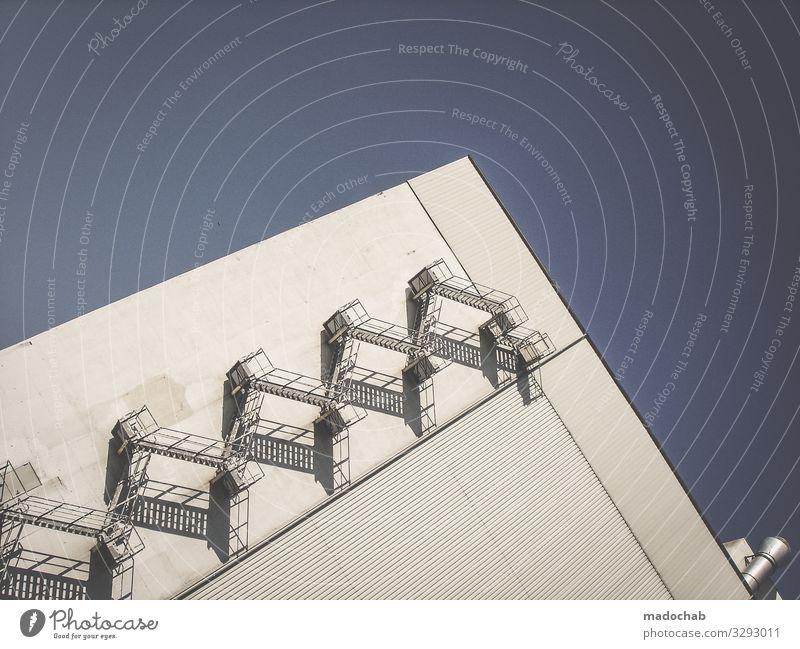. Trappe Fassade Industrie Wand Gebäude Mauer Industrieanlage trist Architektur Menschenleer Fabrik Bauwerk Außenaufnahme Himmel Farbfoto