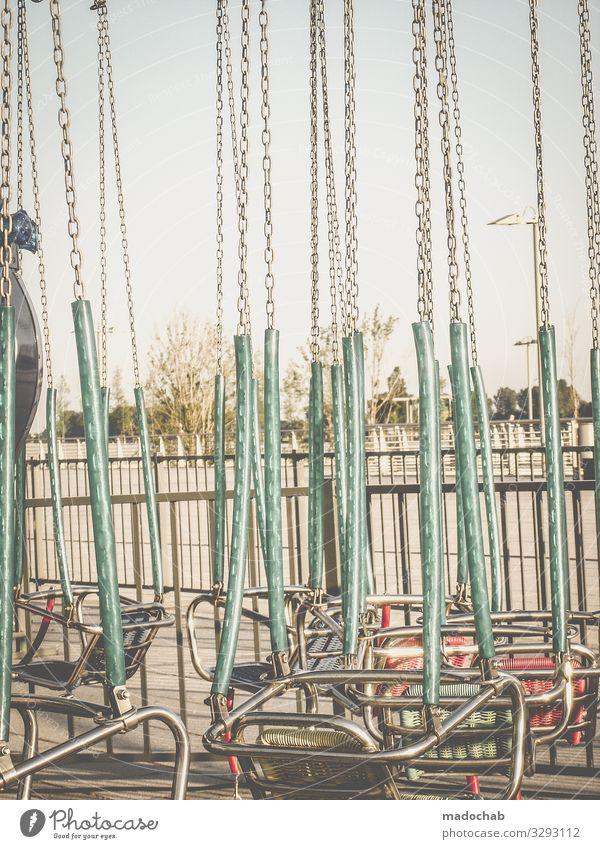 Kettenkarussell Kettenkarusell Jahrmarkt Freude Karussell Sitzgelegenheit Vergnügungspark Fahrgeschäfte Kindheit drehen Schwindelgefühl Attraktion