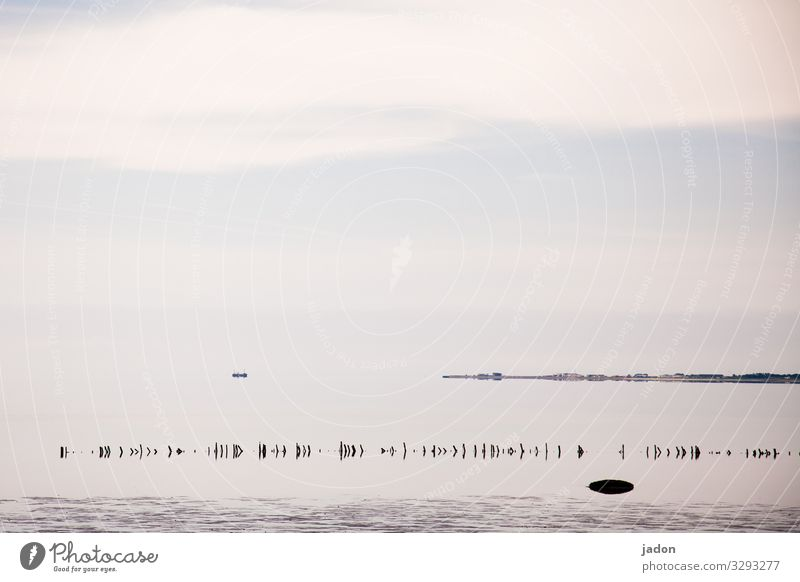 minimalistisches meer. Himmel Natur Wasser Landschaft Meer Ferne Umwelt Küste Freiheit Horizont Klima Gelassenheit Fernweh maritim