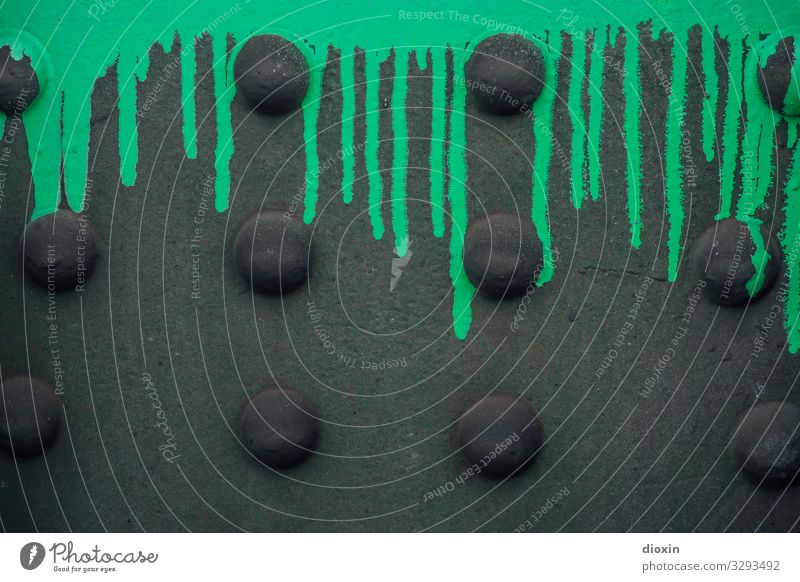 Nietenbild [1] Stahlkonstruktion Kunst Subkultur Graffiti Straßenkunst Brücke Brückenpfeiler Farbstoff Farbe Farben und Lacke trashig Stadt grün schwarz