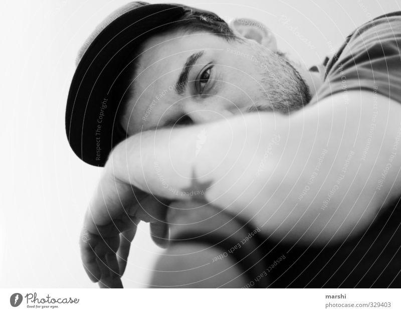 chillen Stil Freizeit & Hobby Mensch maskulin Junger Mann Jugendliche Erwachsene Kopf 1 Mode Accessoire Mütze schlafen Gefühle Stimmung Erholung Bart Tattoo