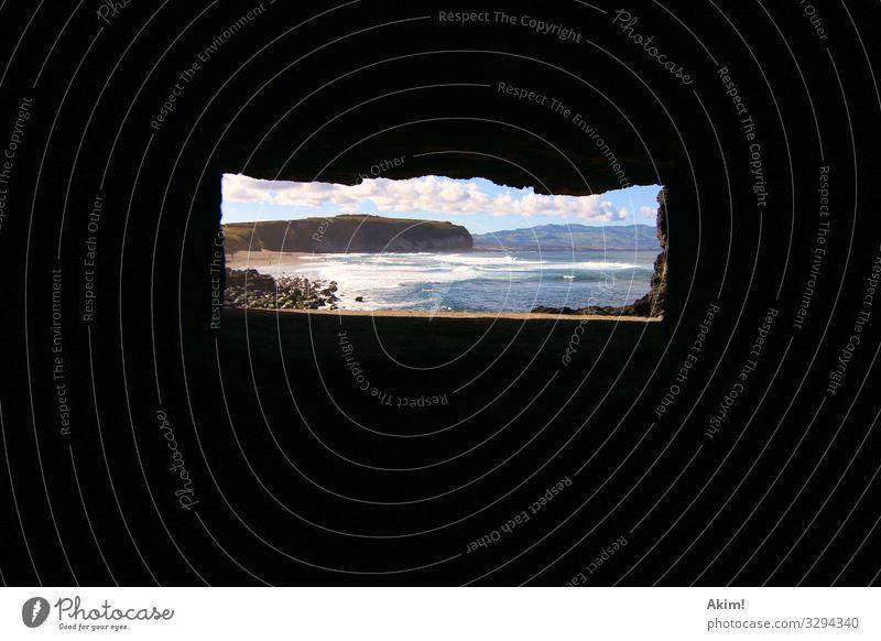Durchsicht Landschaft Meer Einsamkeit Ferne Strand Fenster natürlich Küste Wellen Aussicht Insel Abenteuer Schönes Wetter beobachten malerisch Neugier