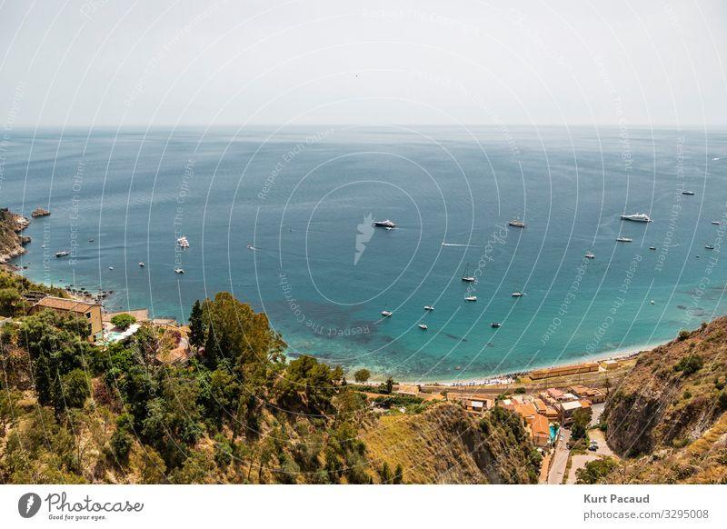 Türkisfarbenes Mittelmeer in Taormina Sizilien Italien Lifestyle Reichtum exotisch Erholung ruhig Ferien & Urlaub & Reisen Tourismus Ausflug Freiheit Kreuzfahrt