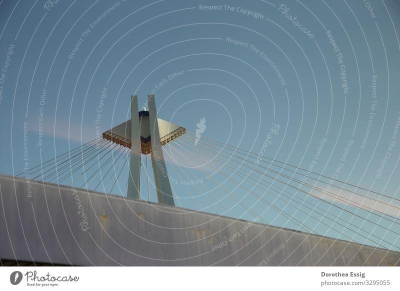 Brückenkopf Ludwigshafen Deutschland Stadt Architektur Hängebrücke Stahlkabel Verkehrswege Straßenverkehr Metall ästhetisch Farbfoto Außenaufnahme Nahaufnahme