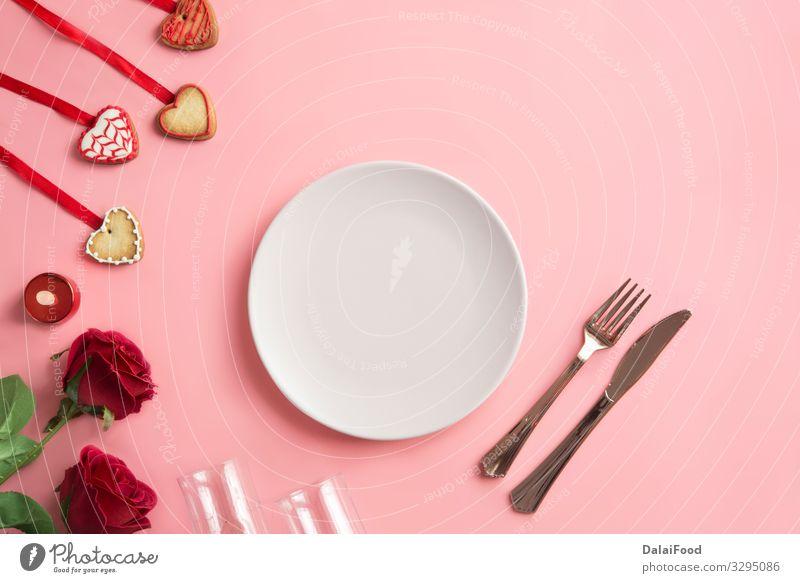Romantisches Abendessen - Gedeckter Tisch für den Valentinstag Alkohol Teller Flasche Design Glück Winter Dekoration & Verzierung Restaurant Feste & Feiern