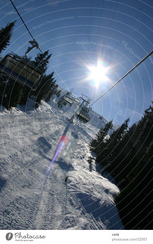 Lift im Gegenlicht Sesselbahn Schweiz Crap Soign Gion Laax Berge u. Gebirge Sonne Schnee