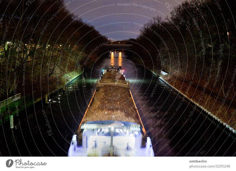 Schubverband Abend Berlin dunkel Kanal Nacht Wasserfahrzeug Schlepper steglitz teltowkanal Güterverkehr & Logistik Wasserstraße schubschiff leicht Flussufer