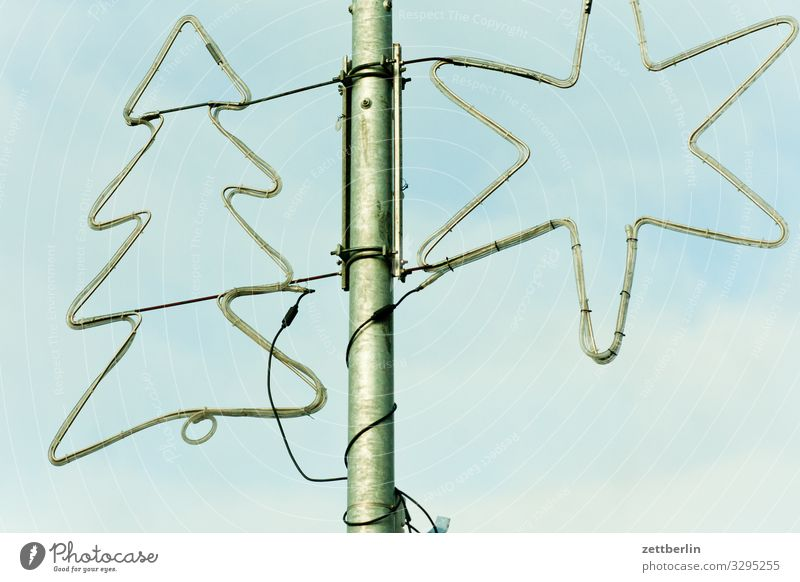 Tannenbaum und Stern Weihnachtsbaum Stern (Symbol) Dekoration & Verzierung Lichterkette Schmuck Weihnachtsdekoration Weihnachten & Advent Anti-Weihnachten