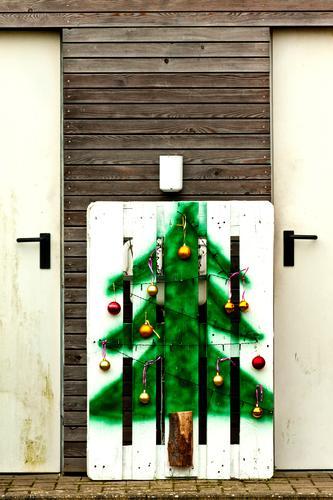 Weihnachtsbaum Weihnachten & Advent Anti-Weihnachten Baumschmuck Zeichnung Grafik u. Illustration Gemälde Christbaumkugel Vorfreude Menschenleer Textfreiraum