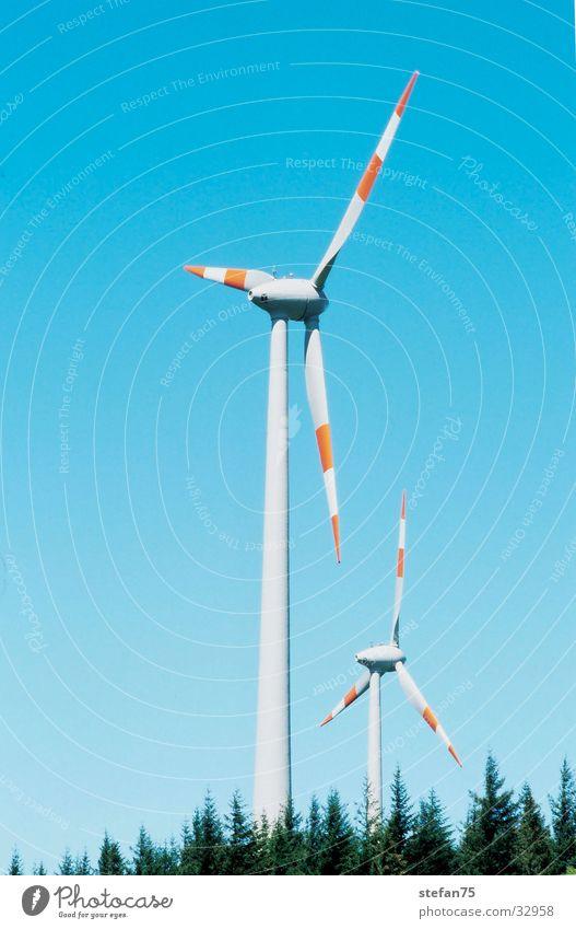 double trouble Elektrisches Gerät Technik & Technologie Erneuerbare Energie Energiewirtschaft Wind Windkraftanlage Windnenergie zwei Windräder Natur
