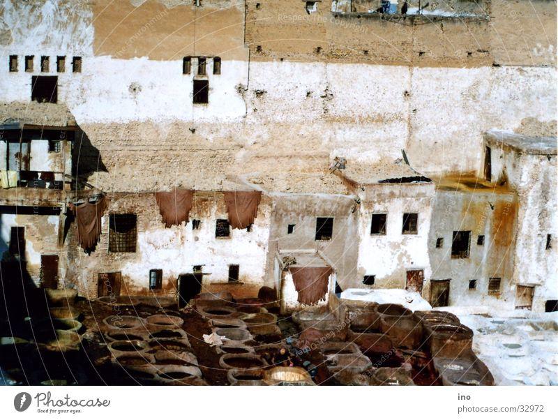 Gerberviertel Fès 2 Haus Straße Fell Afrika Leder Gefäße Moral Kübel Marokko Fes