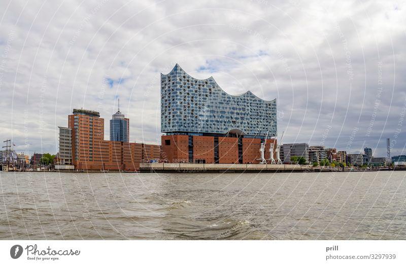 around Port of Hamburg Tourismus Wasser Küste Bach Fluss Stadt Hafenstadt Bauwerk Gebäude Architektur Verkehr authentisch Hamburger Hafen seehafen