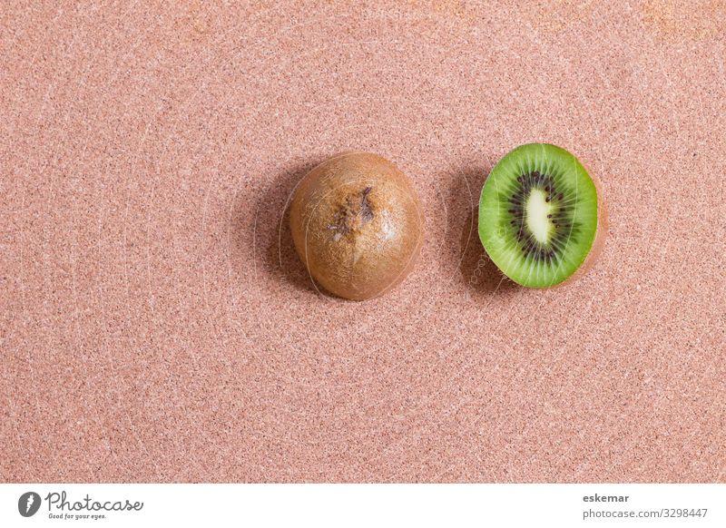 Kiwi halbe Obst textfreiraum Frucht hintergrund kiwis niemand Kork braun Stadt Essen Lebensmittel Aufsicht Vogelperspektive halbiert Hälfte