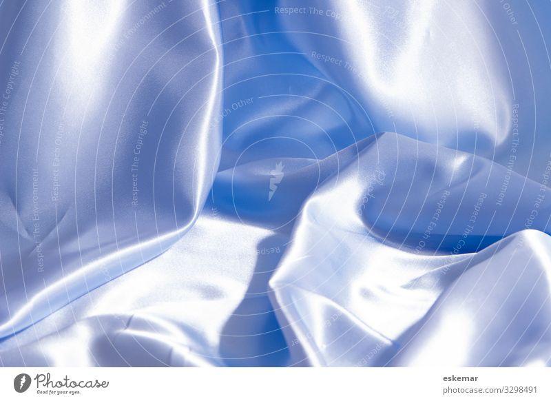 Satin Kotzbrocken nur textfreiraum blau hellblau niemand Textur schimmernd glänzend seidig seidiger Platz für gefaltet faltenwurf menschenleer Glanz bettwäsche