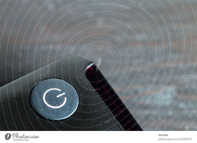 An/Aus an Fernbedienung Gerät Maschine Unterhaltungselektronik Umwelt Klimawandel Zeichen grau schwarz weiß aus Elektrizität Power-Button ausschalten aktivieren
