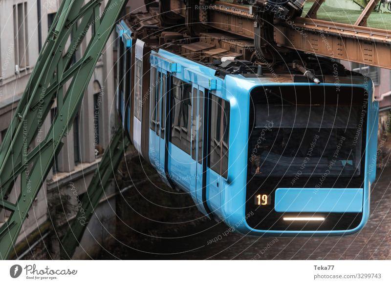#Schwebebahn #Wuppertal #3 Ferien & Urlaub & Reisen Winter Verkehr Verkehrsmittel Verkehrswege Personenverkehr Schienenverkehr Bahnfahren Eisenbahn Hochbahn