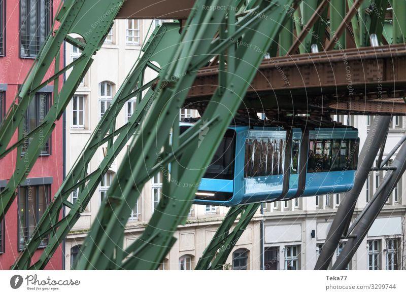 #Schwebebahn #Wuppertal #2 Ferien & Urlaub & Reisen Winter Verkehr Verkehrsmittel Verkehrswege Personenverkehr Öffentlicher Personennahverkehr Schienenverkehr