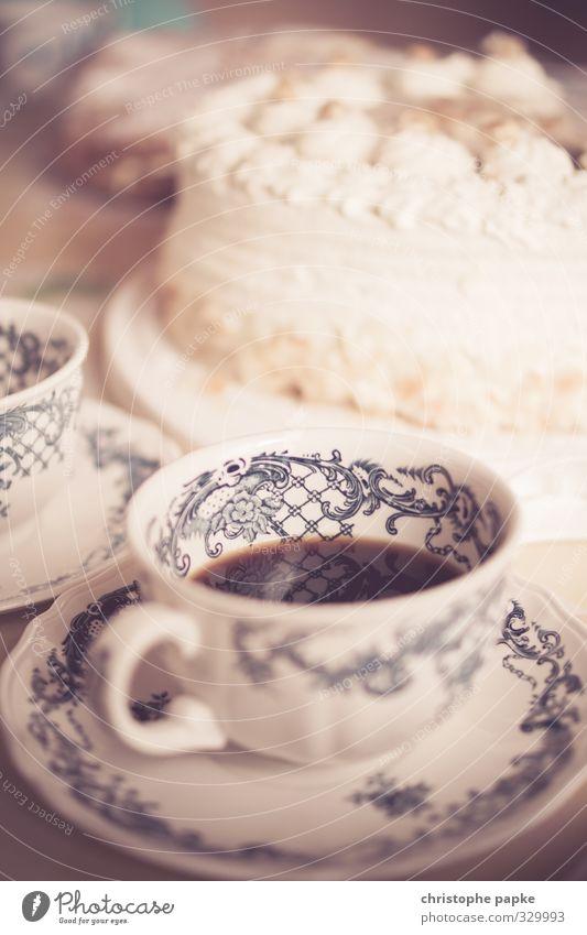 Bei den Großeltern zu Besuch Stil Lebensmittel Wohnung elegant Getränk Ernährung retro Kaffee Kitsch Geschirr Kuchen Reichtum Tasse Kaffeetrinken Heißgetränk