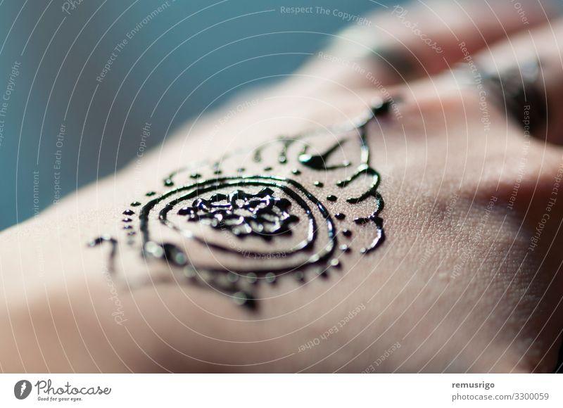 Henna-Handtattoo Design Körper harmonisch Dekoration & Verzierung Feste & Feiern Hochzeit Frau Erwachsene Finger Kunst Kultur Tattoo rot schwarz Tradition