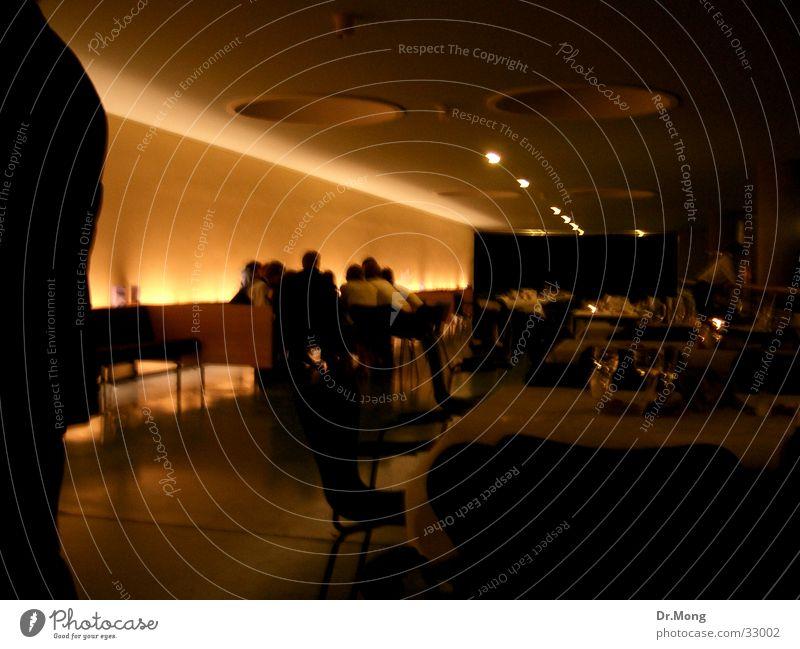 Dunkler Gang dunkel Architektur Raum Ambiente geschmackvoll