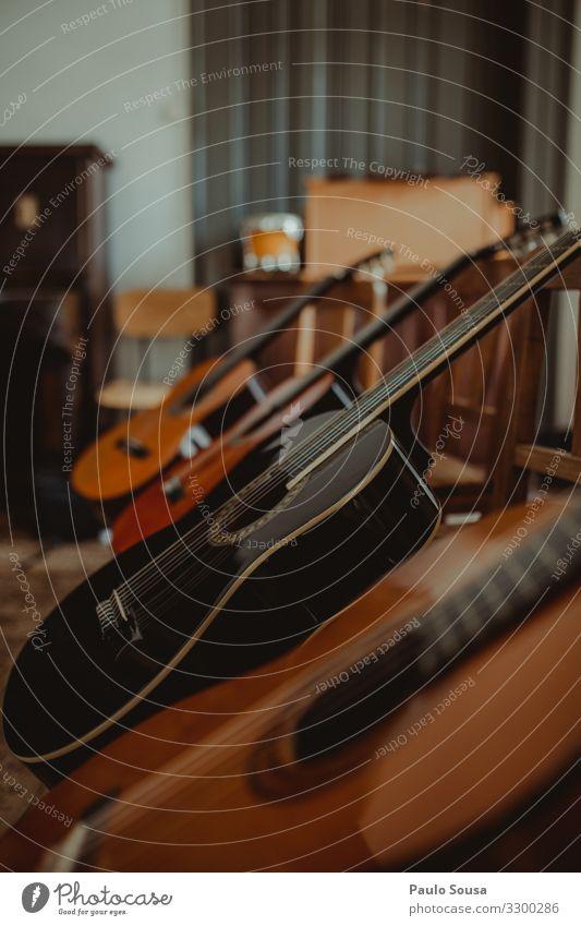 Gitarren in einer Reihe Freizeit & Hobby Holz ästhetisch einfach einzigartig Originalität Bildung Inspiration Kultur Kunst Leidenschaft Leistung lernen Schule
