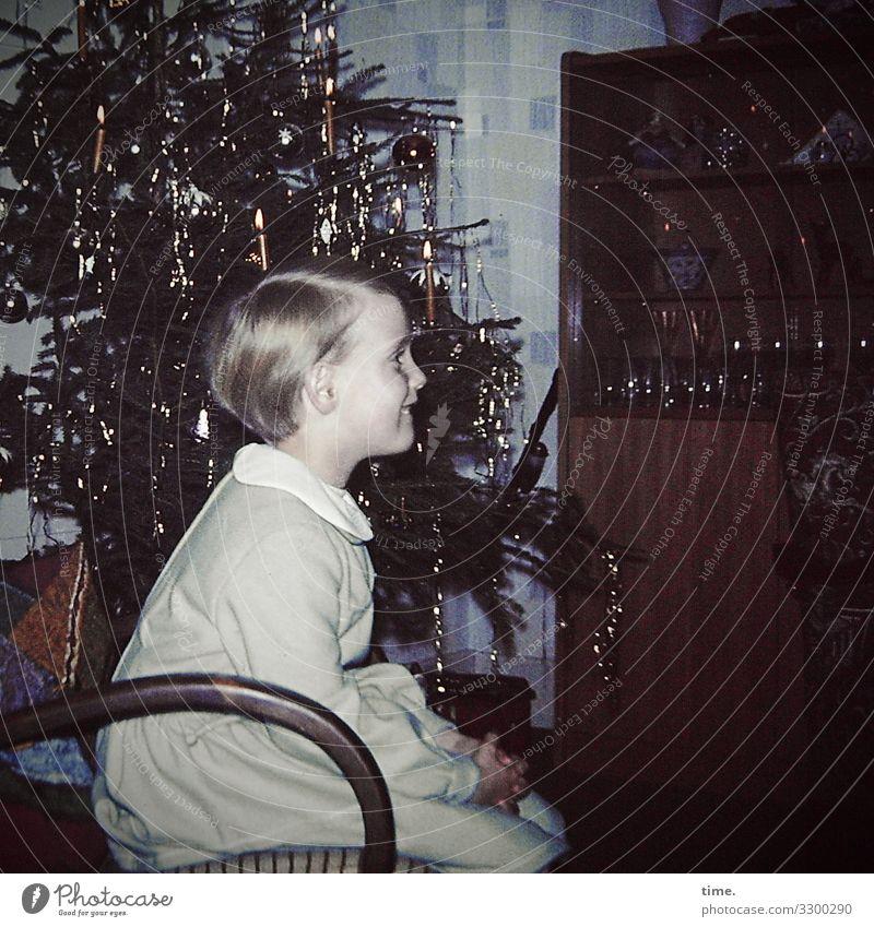 and a happy new year Häusliches Leben Wohnung Innenarchitektur Dekoration & Verzierung Sessel Feste & Feiern Weihnachten & Advent Weihnachtsbaum Lametta feminin