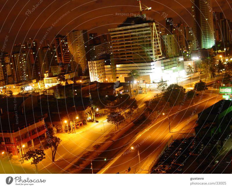 nächtliche Stadt Straße Landschaft Südamerika