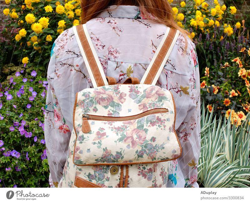 Blume auf Blume Stil Freude Leben Wohlgefühl Sommer Sonne Ostern Mensch feminin Junge Frau Jugendliche Erwachsene 1 Landschaft Pflanze Frühling Sträucher Blüte