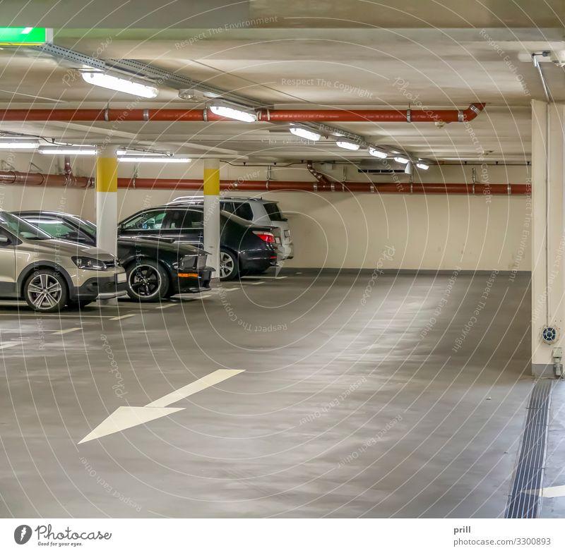 parking garage Raum Parkhaus Bauwerk Gebäude Architektur Wege & Pfade Fahrzeug PKW authentisch Hochgarage mehrstöckig parkgarage parkhausanlage parkrampe