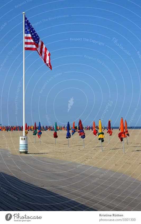 geflaggt Lifestyle Freizeit & Hobby Ferien & Urlaub & Reisen Freiheit Strand Meer Sand Himmel Horizont Küste Zeichen Fahne Wärme mehrfarbig Sandstrand Promenade