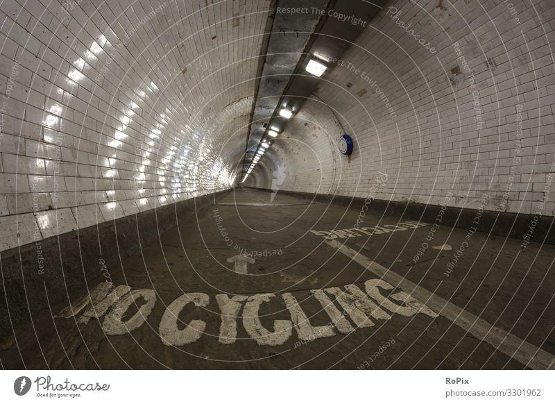 Ferien & Urlaub & Reisen Natur Stadt Straße Architektur Lifestyle Wand Umwelt Tourismus Mauer Arbeit & Erwerbstätigkeit Fahrrad ästhetisch Fahrradfahren