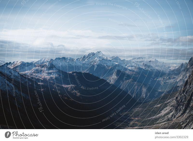 Alpenlandschaft Natur Landschaft Erde Wolken Herbst Schönes Wetter Schnee Berge u. Gebirge Gipfel Schneebedeckte Gipfel Abenteuer Ferien & Urlaub & Reisen