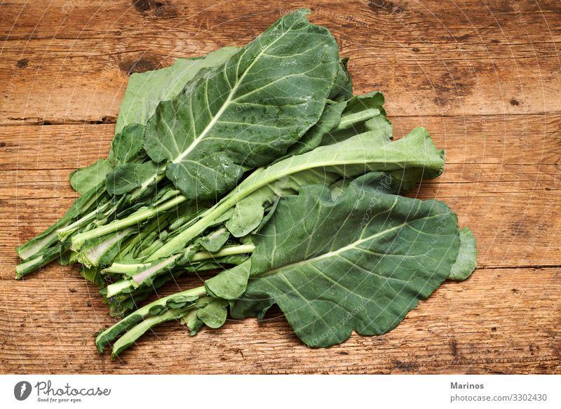 Grünkohl-Bündel Gemüse Ernährung Bioprodukte Vegetarische Ernährung Diät Garten Natur Pflanze Blatt frisch grün Kale Hintergrund Lebensmittel Gesundheit