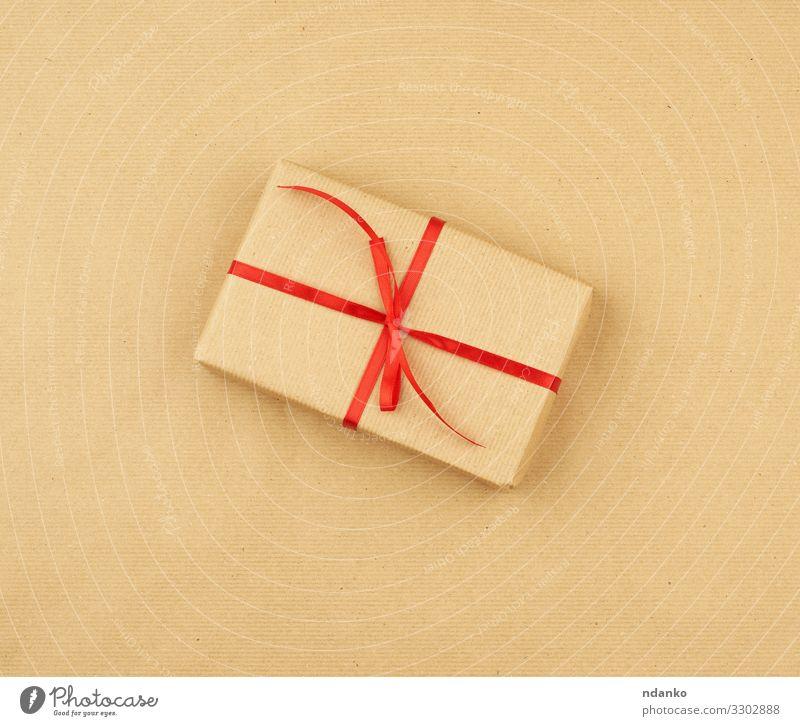 Geschenk verpackt in braunem Kraftpapier Design Handarbeit Dekoration & Verzierung Feste & Feiern Valentinstag Muttertag Weihnachten & Advent