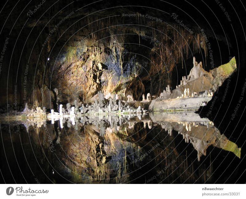 Feengrotte - Märchendom 2 Höhle Reflexion & Spiegelung dunkel Tropfsteine unterirdisch einzigartig schön Wasser Stalagniten Stalagtiten