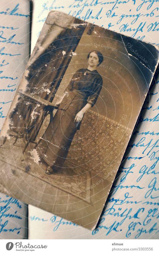 aus dem Tagebuch Fotografie Papierbild analog Text altdeutsch sütterlin historisch retro Gefühle Romantik Schmerz Nostalgie Vergangenheit Vergänglichkeit